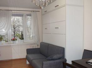 łózko w szafie z sofa sof 1
