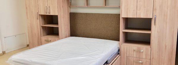 Łóżka w szafie