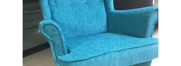 Jak właściwie wybrać fotel czy krzesło do salonu?