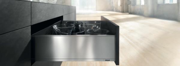 Praktyczna kuchnia systemy szuflad, systemy zawiasów Blum